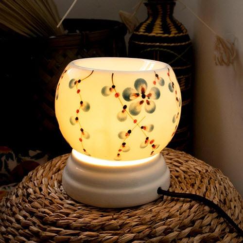 Đèn xông tinh dầu vẽ hoa dây xanh, dùng điện, gốm Bát Tràng DXTD001