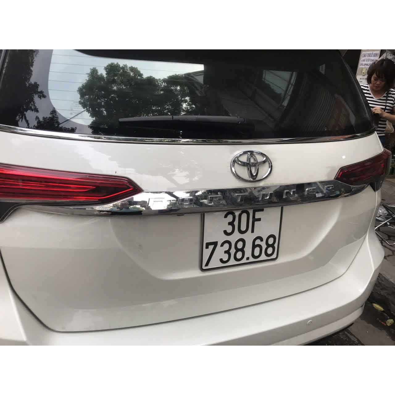 Ốp Tay Mở Cốp Mạ Crom Xe Fortuner 2017 2018 2019 2020