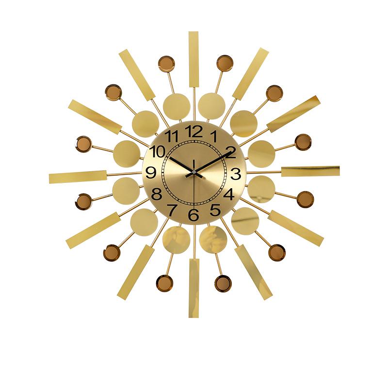 Đồng hồ treo tường hợp kim phun màu ánh kim hàng nhập khẩu nguyên chiếc tại Hong Kong dùng để trang trí nhà phong cách hiện đại và tân cổ điển mang lại vẻ đẹp tươi mới đầy sức sống