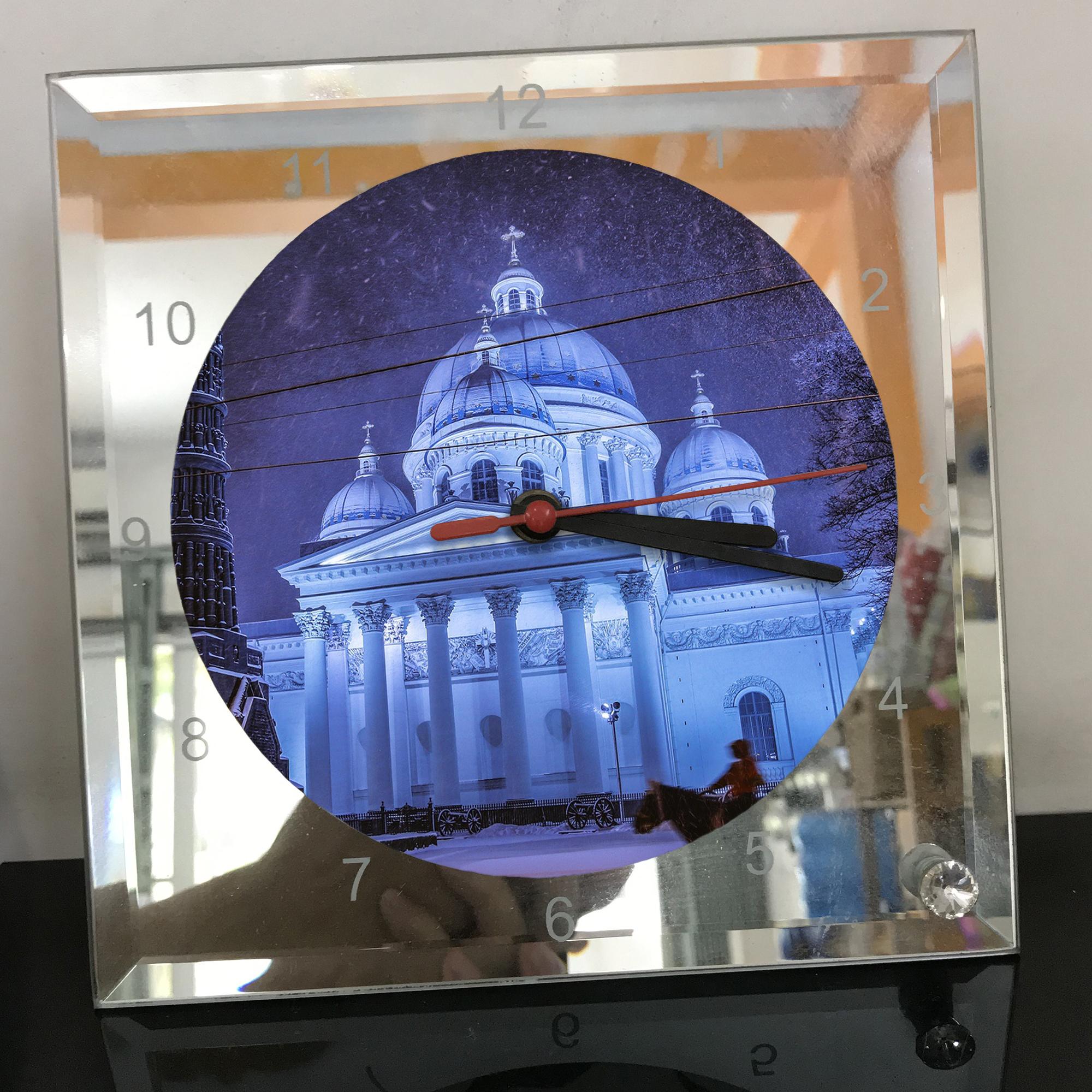 Đồng hồ thủy tinh vuông 20x20 in hình Cathedral - nhà thờ chính tòa (88) . Đồng hồ thủy tinh để bàn trang trí đẹp chủ đề tôn giáo