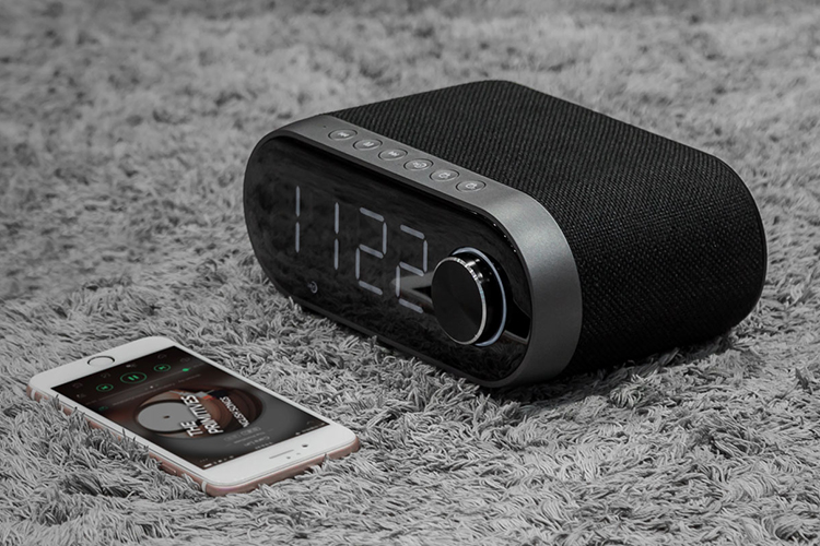 Loa Bluetooth Kiêm Đồng Hồ Báo Thức Remax Rb-M26 - Hàng Chính Hãng