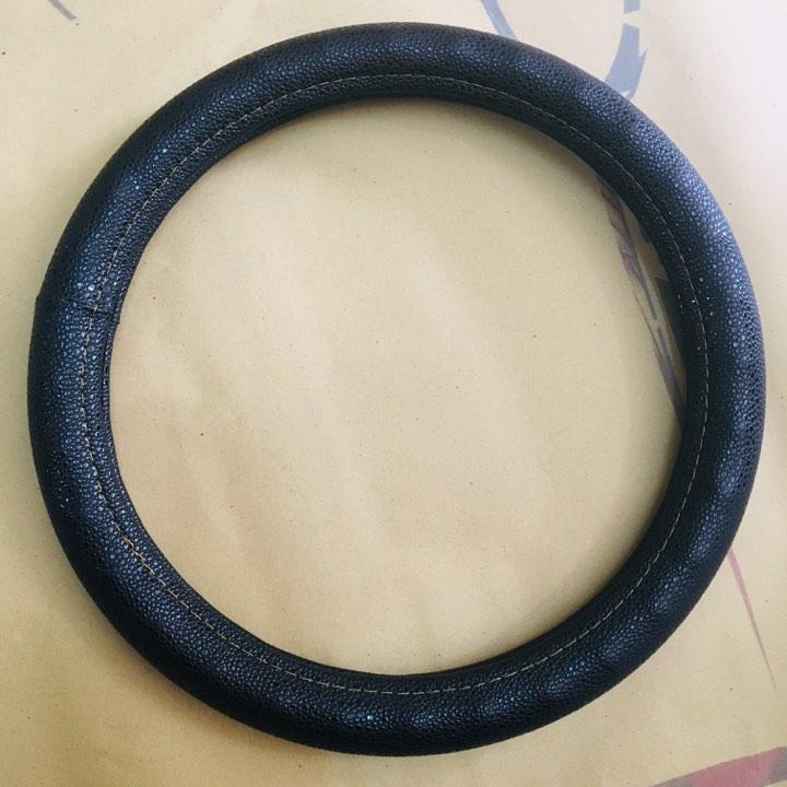 Bao tay lái ô tô đen tốt size M - 38cm