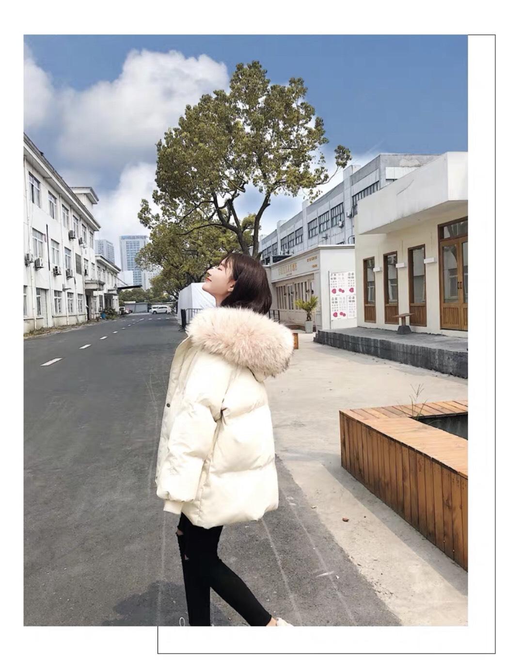 Áo Khoác Phao Nữ Có Mũ Lông Màu Trắng Sữa KR2511