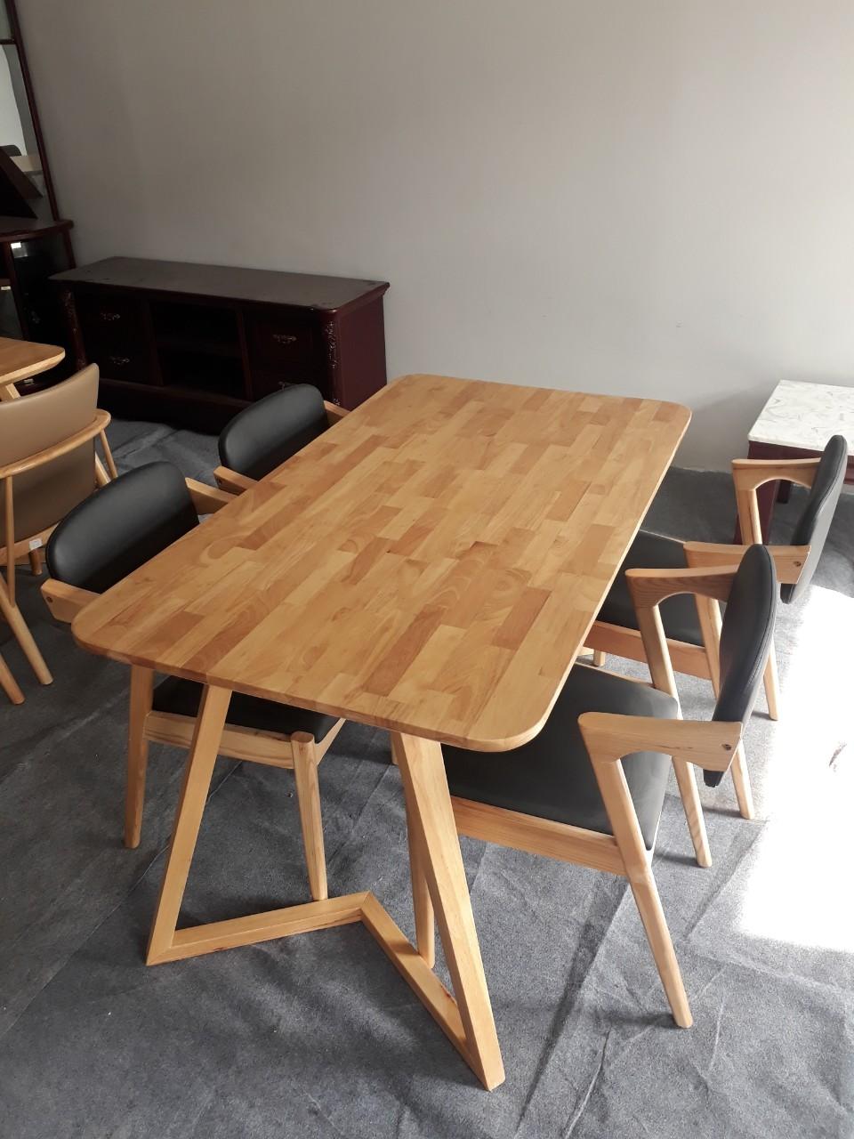 Bàn ăn gỗ tự nhiên thanh lý 4 ghế 1M4 GreenFurni