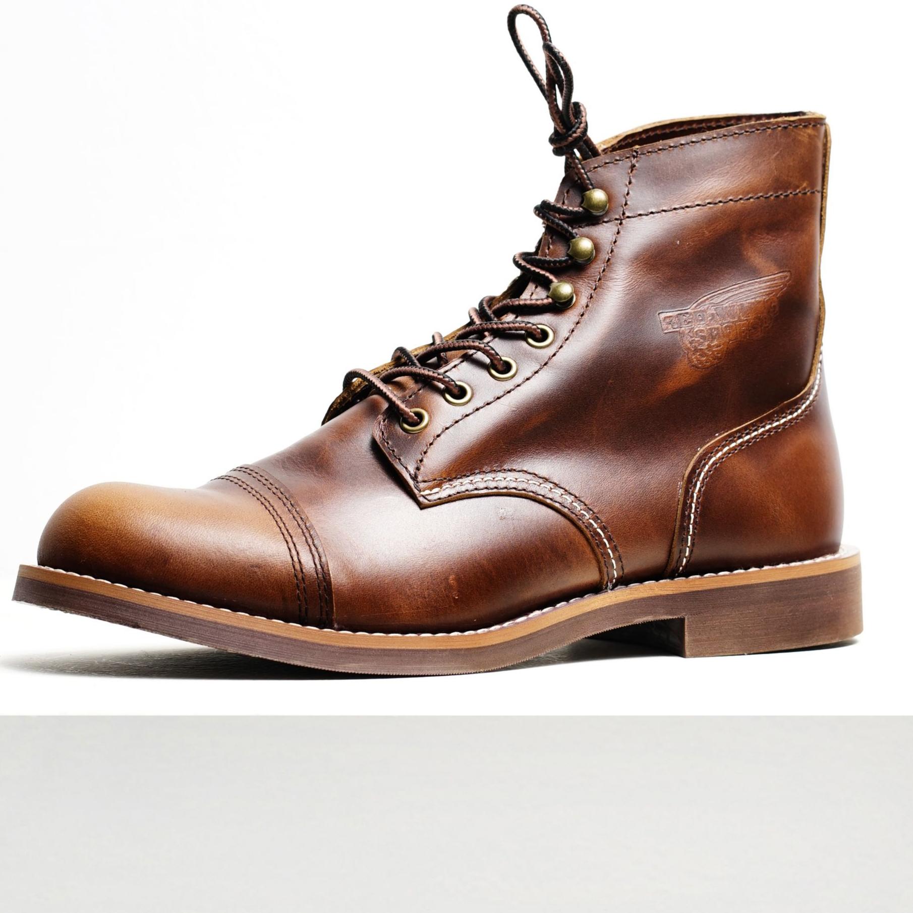 Giày Boot Nam Cao Cổ IRON Nâu Da Bóng Mũi Tròn Bụi Bặm Đế Khâu Chắc Chắn Phong Cách Biker Đường Phố Bảo Hành 1 Năm