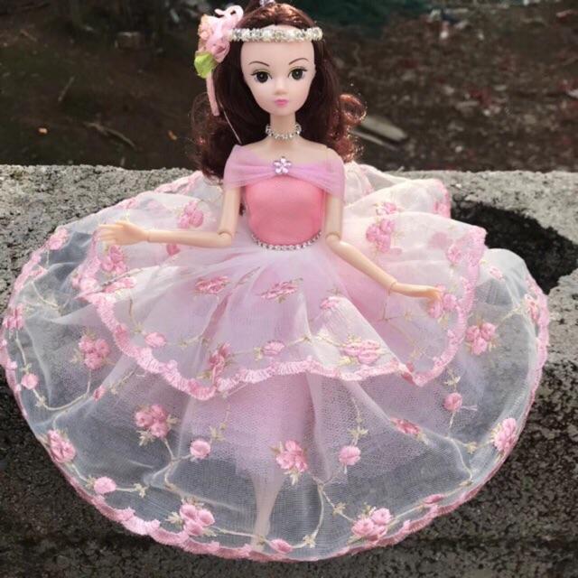 Búp bê váy hồng bồng bềnh