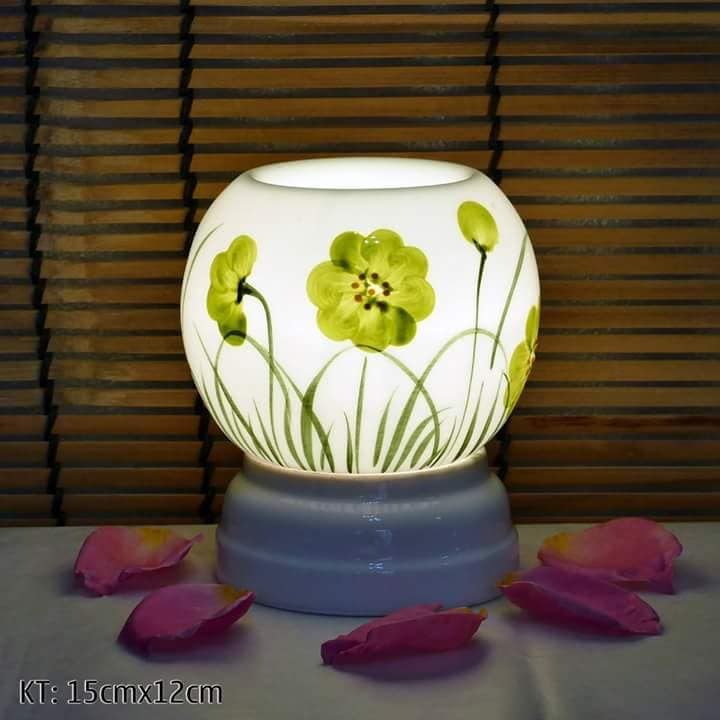 Đèn xông tinh dầu gốm sứ bát tràng họa tiết hoa lá size M - Mẫu ngẫu nhiên