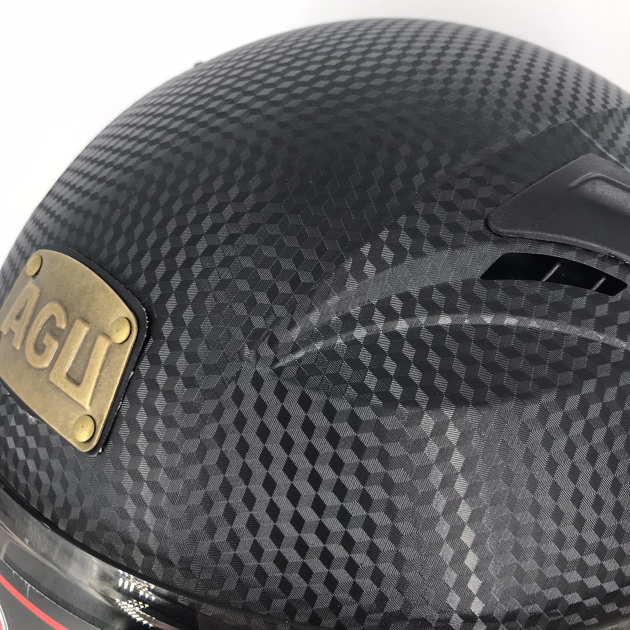 Mũ bảo hiểm fullface AGU đen vân carbon cao cấp