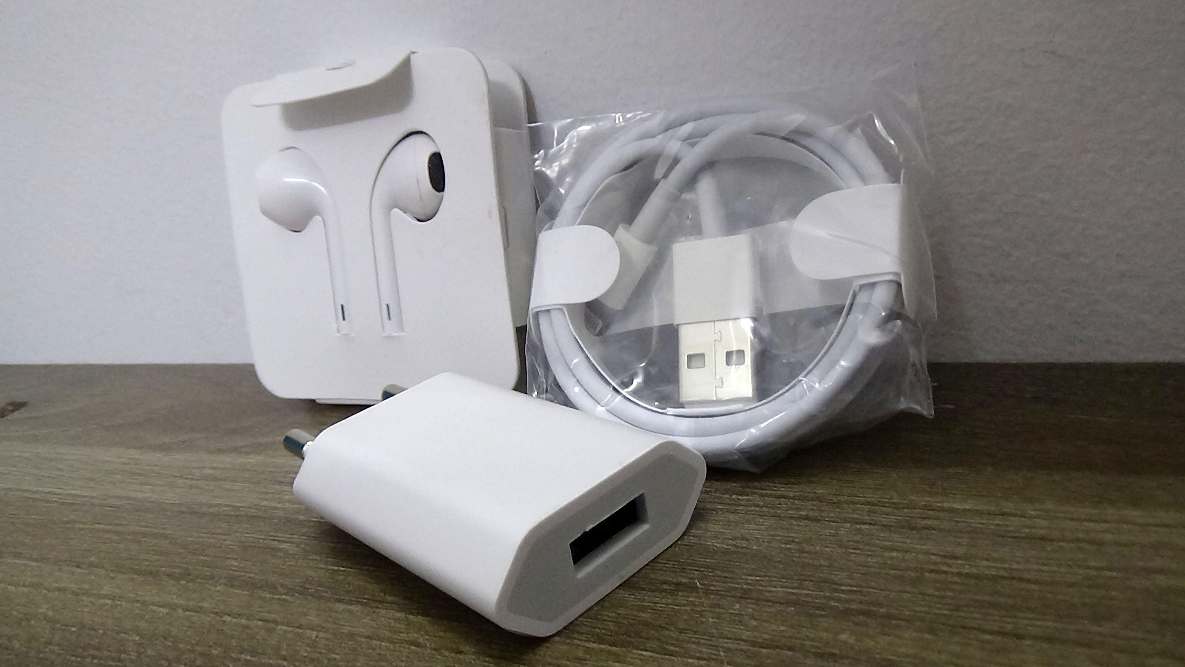 Combo bộ Sạc nhanh và tai nghe dành cho iPhone 7Plus (củ dẹt, cáp, tai nghe màu trắng)