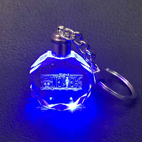Móc khóa One piece móc treo thủy tinh phát sáng