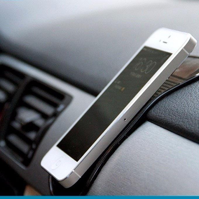 Miếng dính điện thoại trong ô tô NP70