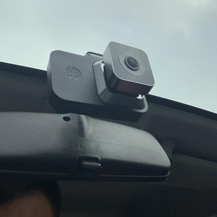 Camera hành trình ô tô thương hiệu HP f960x tích hợp Wifi GPS: Ngôn ngữ tiếng Anh, Màn hình 3 inch LCD, Full HD 2304*1296P, WDR, FCMD và FCWS, LDWS, Mini USD / AV port, Trọng lượng 86g