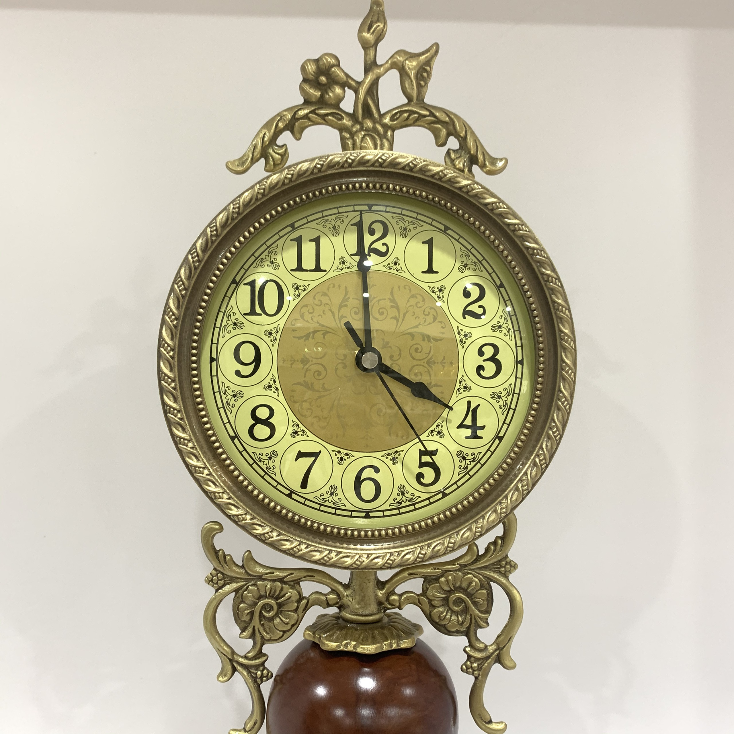 Đồng hồ để bàn phong cách châu âu DH33