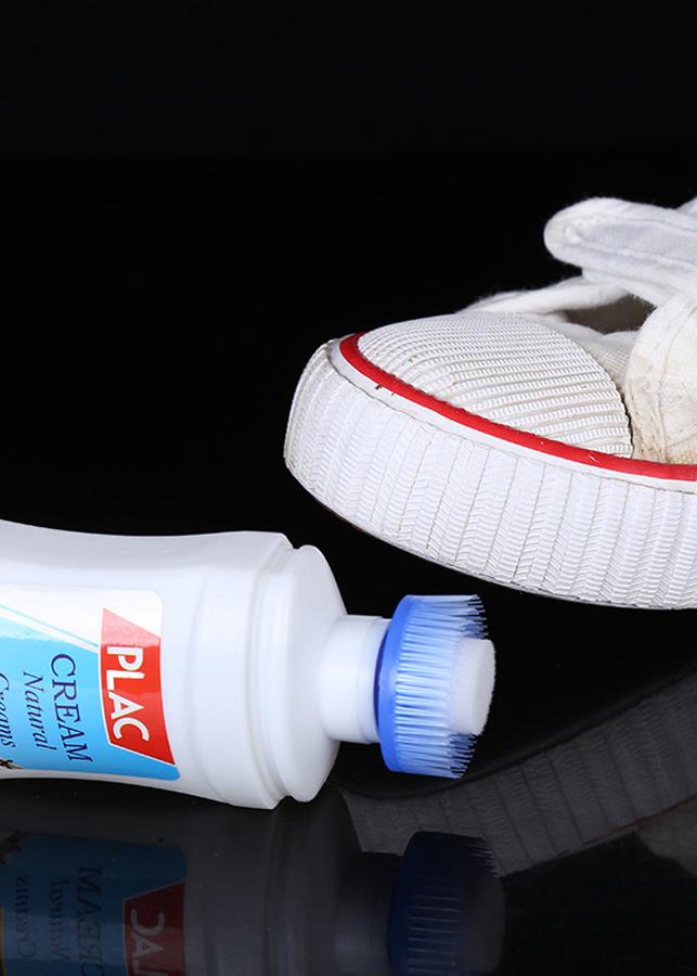 Chai xịt trắng giày plac kèm đầu cọ 100ml