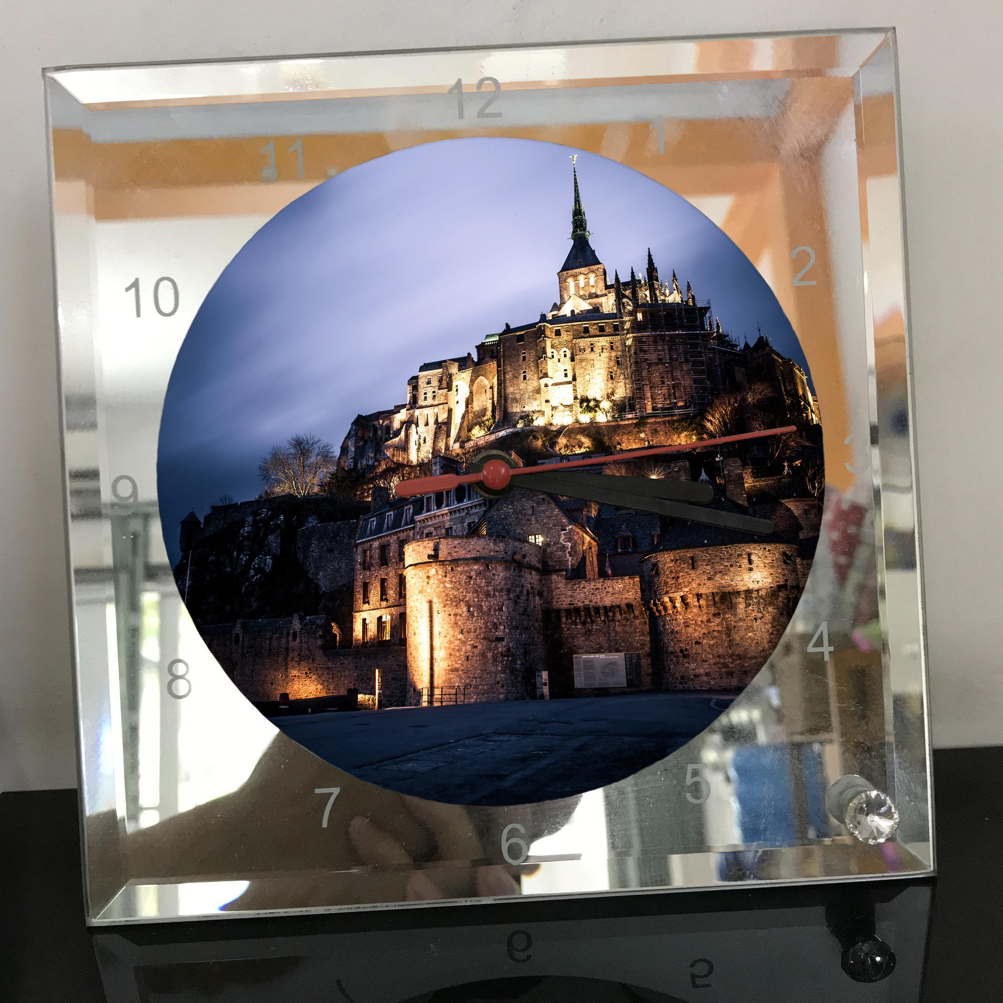 Đồng hồ thủy tinh vuông 20x20 in hình tu viện Mont Saint-Michel (53) . Đồng hồ thủy tinh để bàn trang trí đẹp chủ đề tôn giáo
