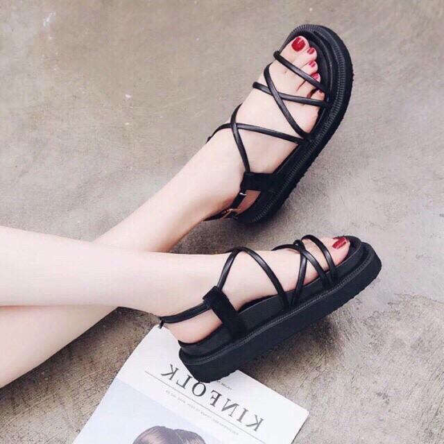 Sandal dây