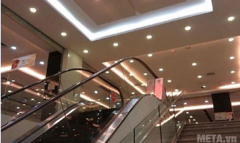 Bộ 10 đèn Led âm trần 7w ánh sáng vàng trung tính
