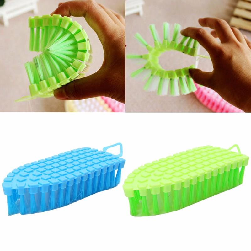 Bộ 2 Bàn chải vệ sinh cầm tay đa năng uốn cong mọi góc dùng cho mọi ngóc ngách trong nhà 15.6*6.6 cm, giao màu ngẫu nhiên+ Tặng kèm móc treo sản phẩm
