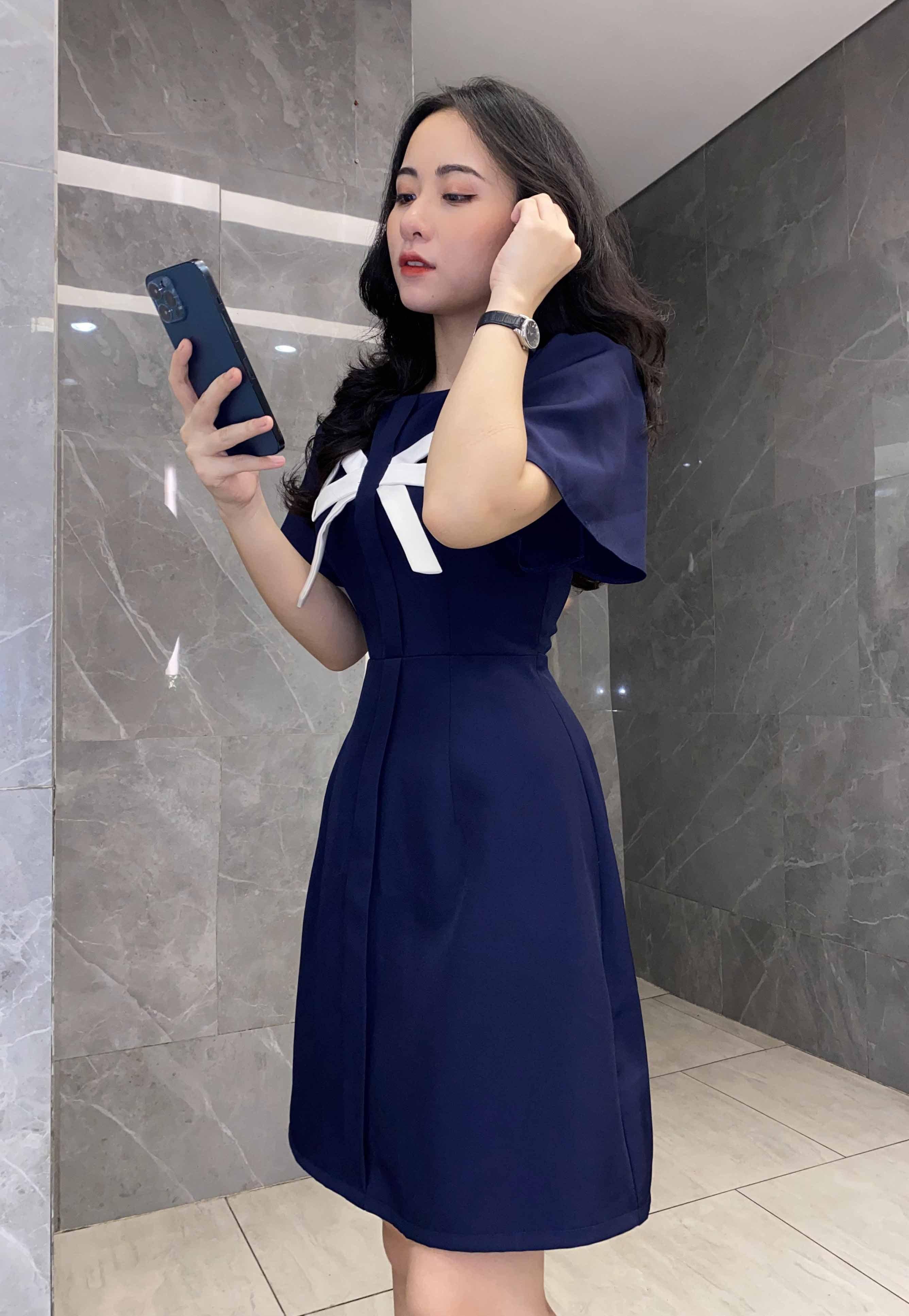 Đầm xanh đen SIÊU HACK DÁNG che bụng mỡ cho nàng nấm lùn