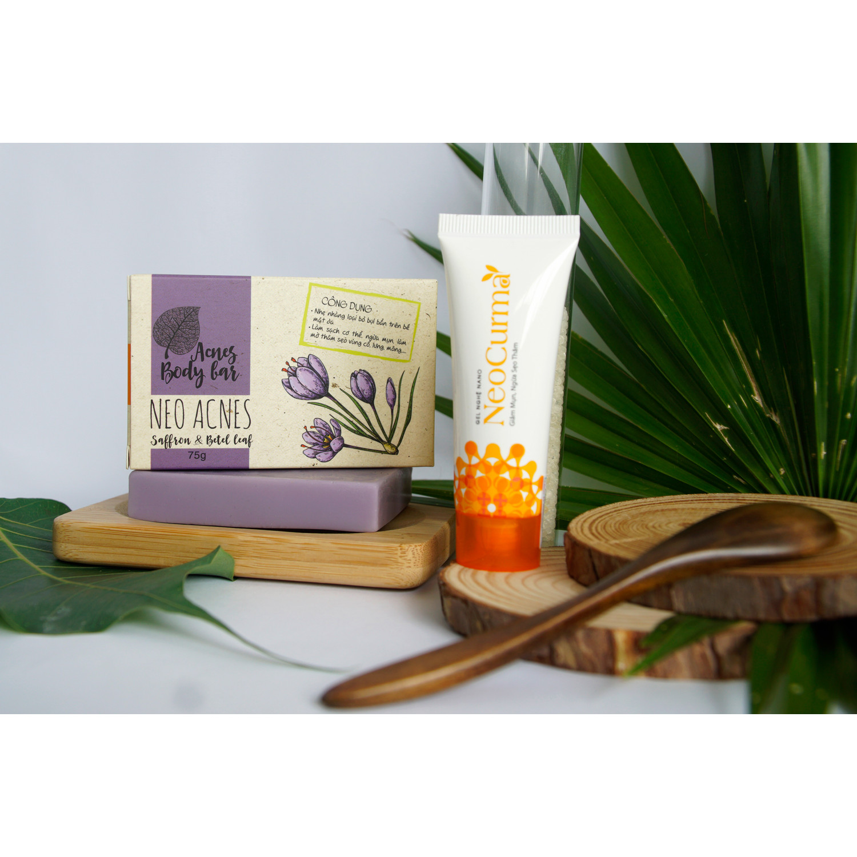 Bộ đôi Xà phòng Saffron Neo Acnes (75G) & Gel Nghệ NeoCurma (20G) - Giảm mụn mờ thâm vùng lưng, cơ thê
