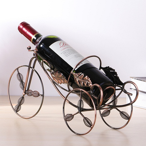 Kệ đựng rượu hình xe kéo