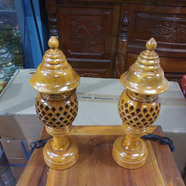 Cặp đèn thờ gỗ tràm bông vàng cao 34 cm màu vàng