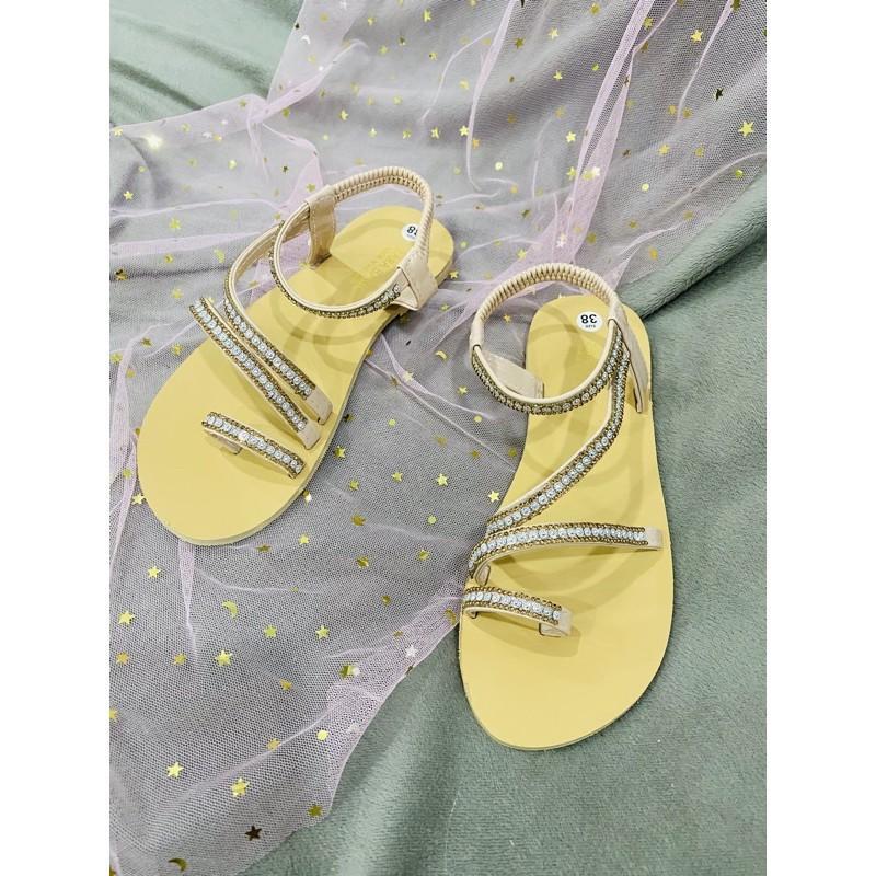 Sandal dây đá tiện lợi hot hit
