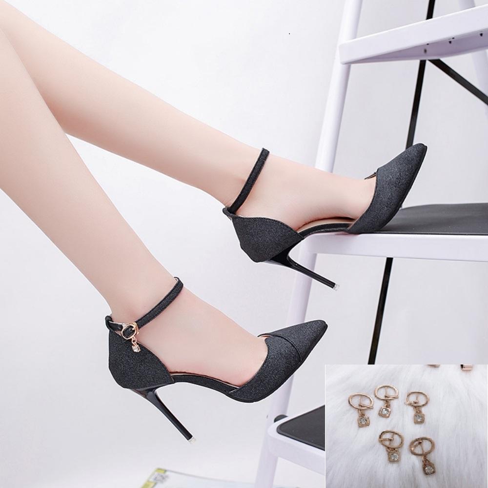 Giày Cao Nữ Đẹp Đắp Chéo Mũi Nhọn  Kim Tuyến  Màu Đen Cao 9 Cm Phong Cách Hàn Quốc. ( Tặng Phụ kiện móc khóa giày đính hạt thời trang)