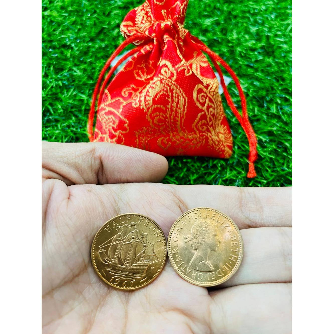 Đồng xu Anh thuận buồm xuôi gió 1/2 Penny , tặng kèm túi gấm đỏ