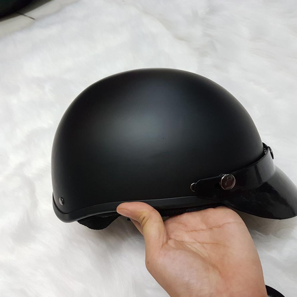 Mũ Bảo Hiểm 1/2 Đen Trơn Tặng Kèm Lưỡi Trai - Nhựa ABS Dẻo, Độ Bền Cao