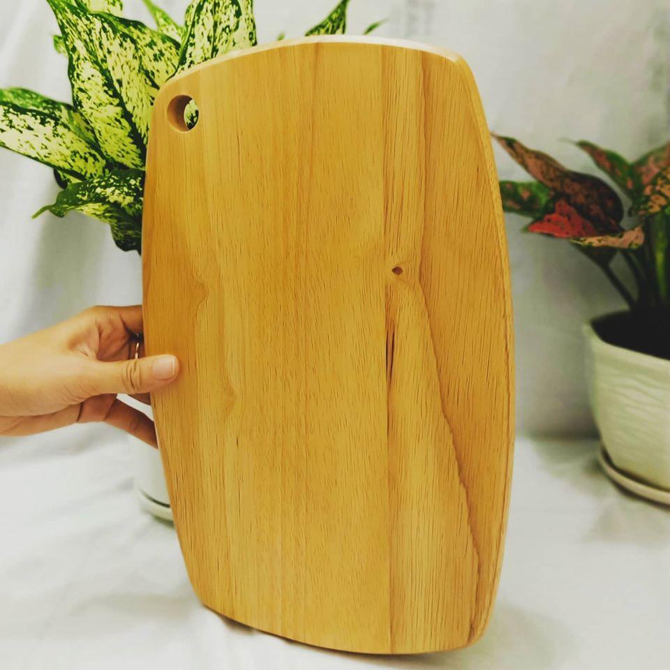 Thớt gỗ bầu dục nhỏ