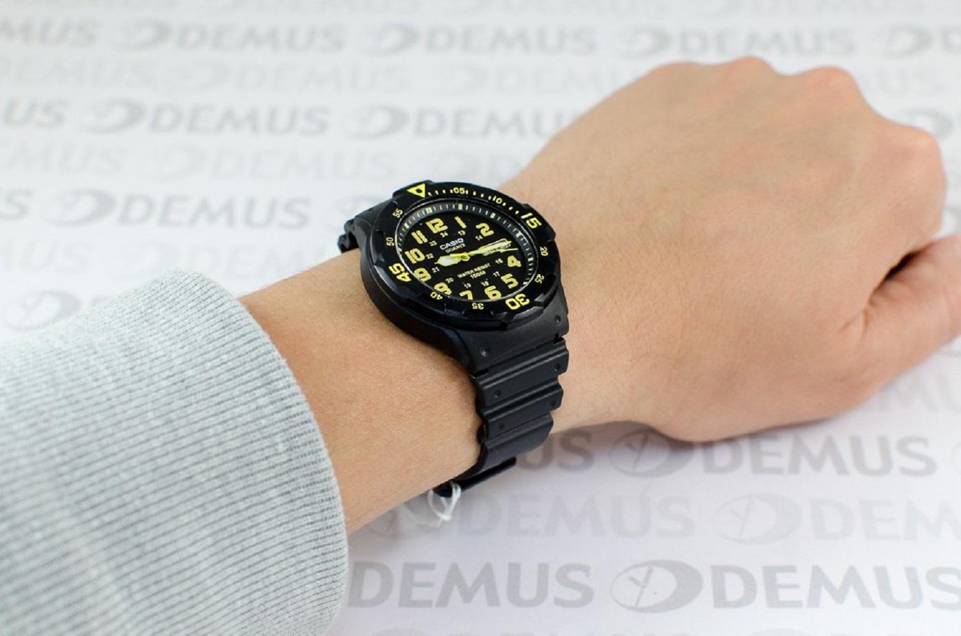 Đồng hồ nam Casio dây nhựa MRW-200H-9BVDF (45mm)