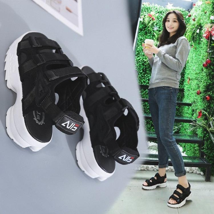 Giày Sandal nữ đế bánh mì cá tính S112