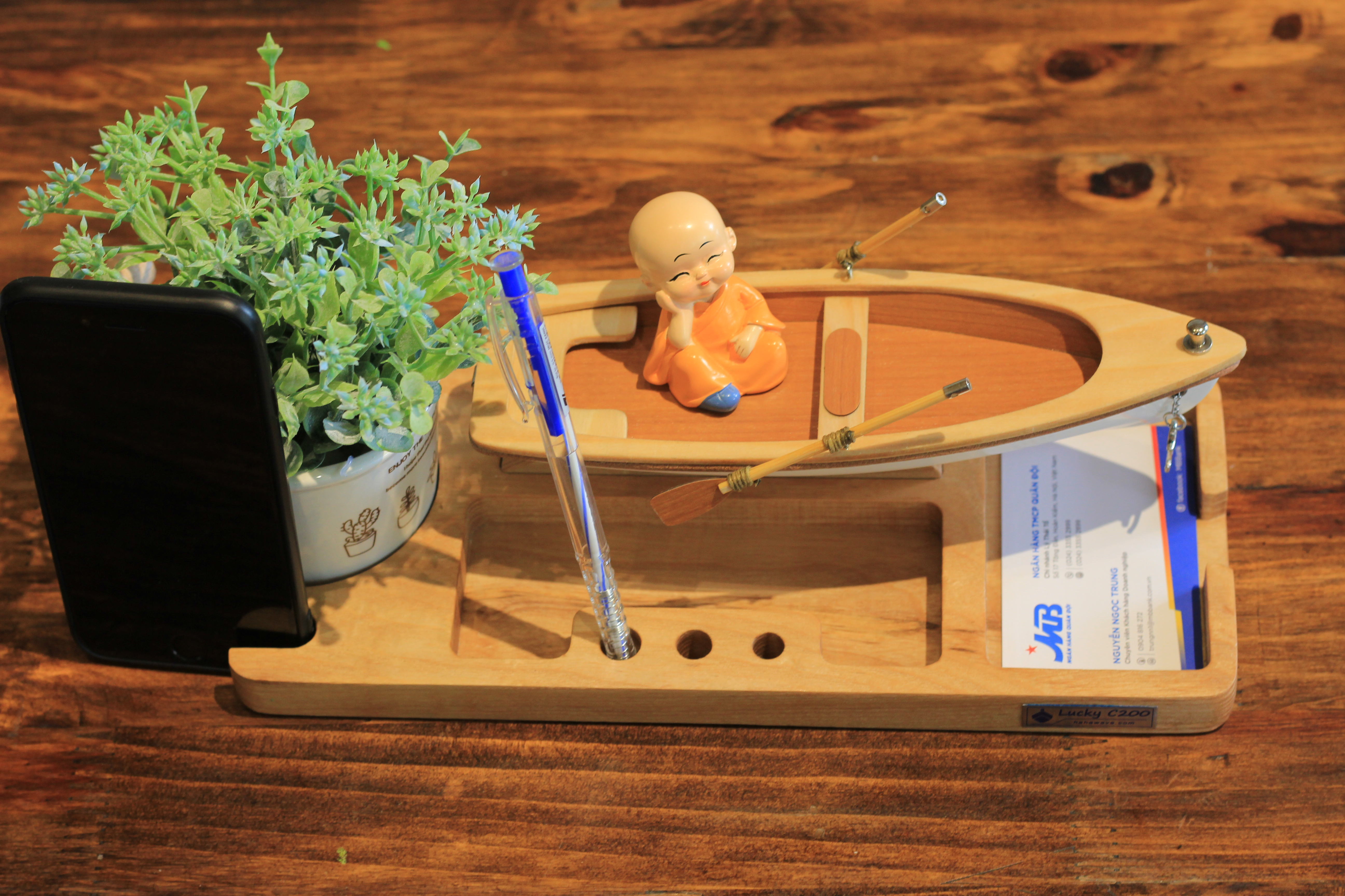 Mô hình Thuyền Lucky C200 A006.T1