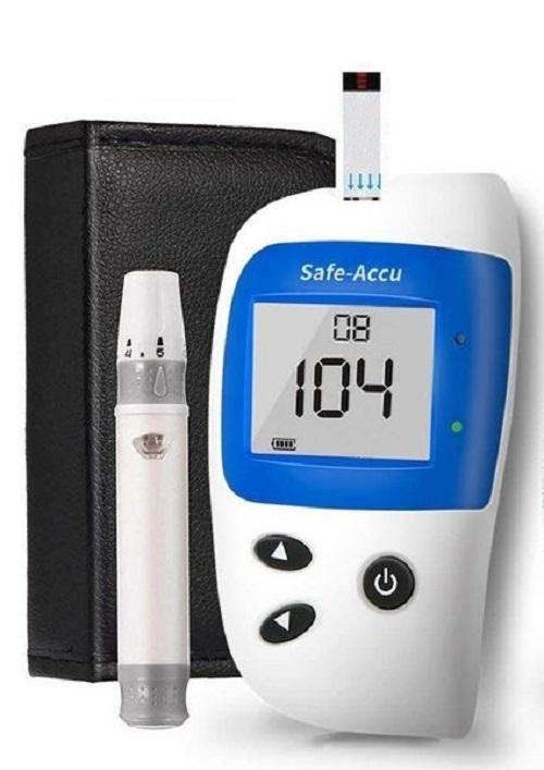 Máy đo đường huyết Safe Accu 2 tặng 1 hộp 50 que thử và hộp 50 kim chích máu