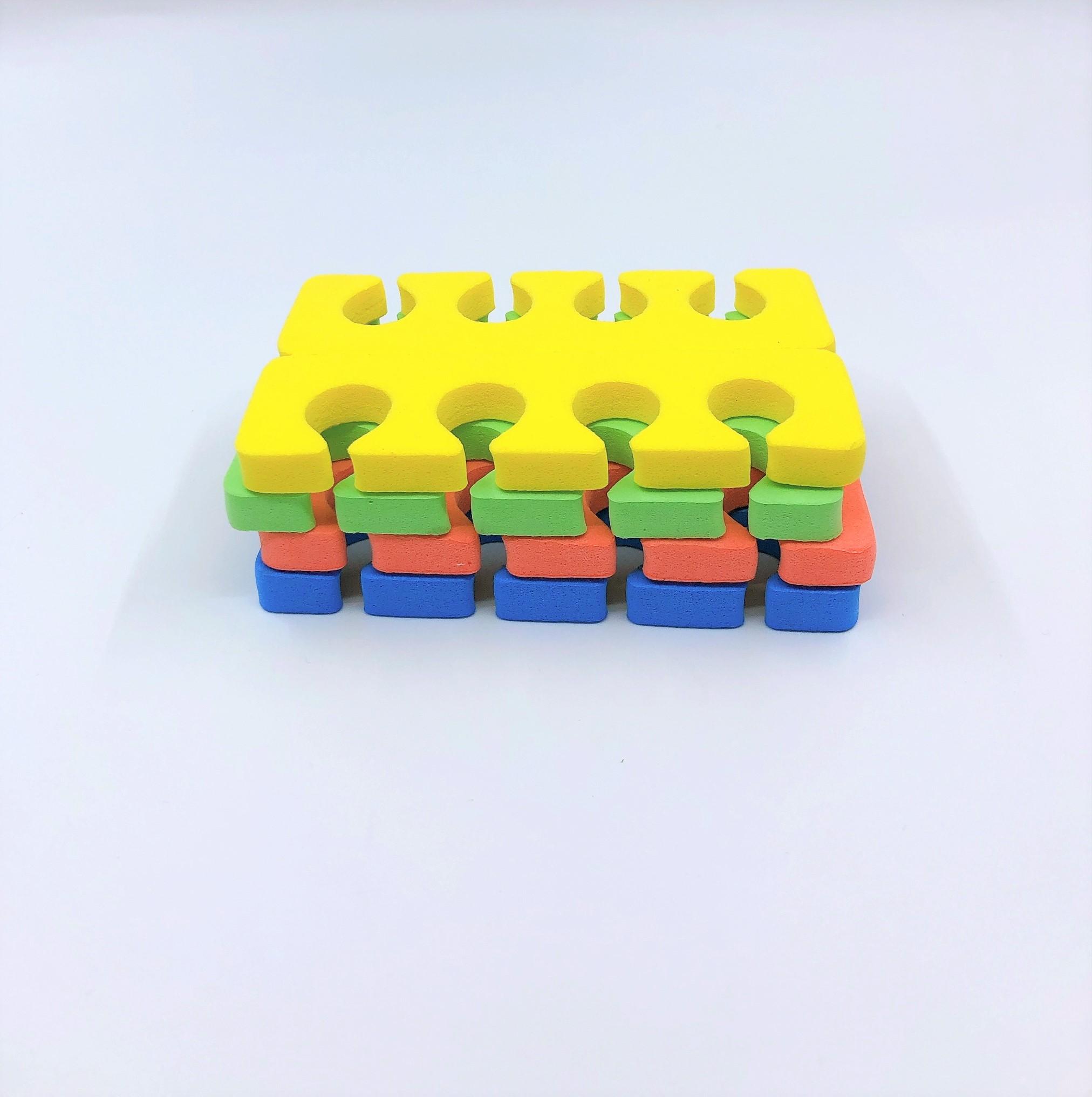 Set 8 cặp tách ngón làm móng tay, móng chân- 4 lỗ Giao màu ngẫu nhiên