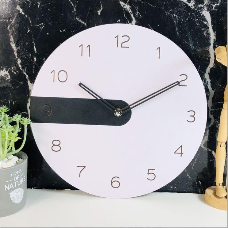 Đồng hồ treo tường trang phí phong cách hiện đại DHM001