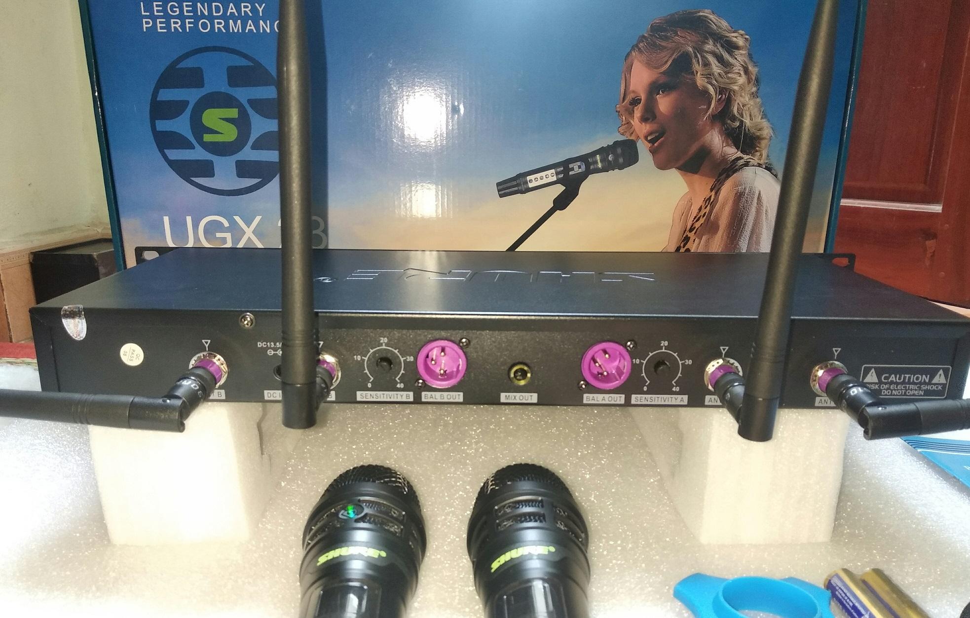 Micro karaoke không dây SHURE UGX-23 phiên bản 2020