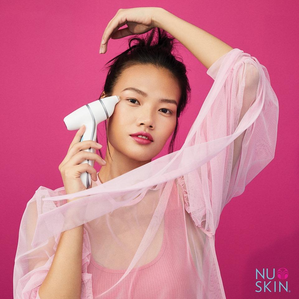 Bộ Chăm Sóc Dành Riêng Cho Vùng Mắt NuSkin ageLOC LumiSpa Accent & IdealEyes