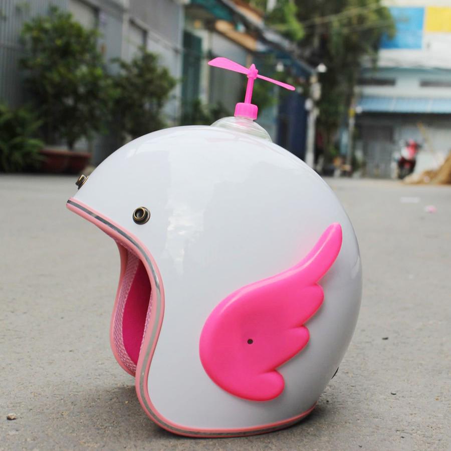 Mũ Bảo Hiểm Đẹp 3/4 đầu trắng lót hồng + Cánh cupid siêu ciu + Tặng kèm chong chóng