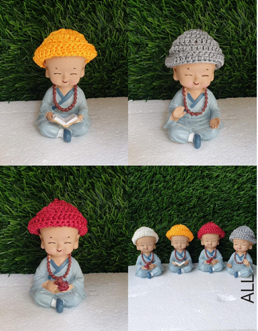 tượng chú tiểu vui nhộn mẫu ngẫu nhiên đội nón len chùa