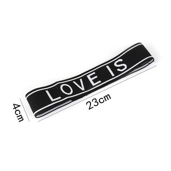 Băng Đô Thể Thao Chữ Love Is Patient (Màu Đen)