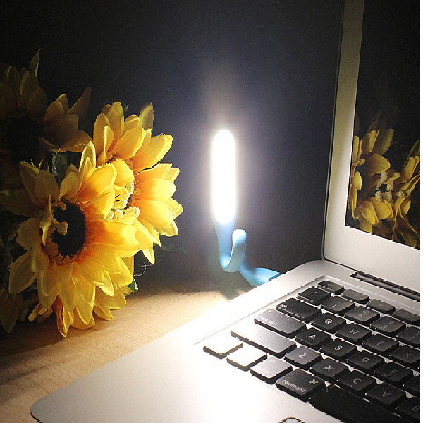 Combo 10 Đèn LED cổng USB siêu sáng (Giao màu ngẫu nhiên)