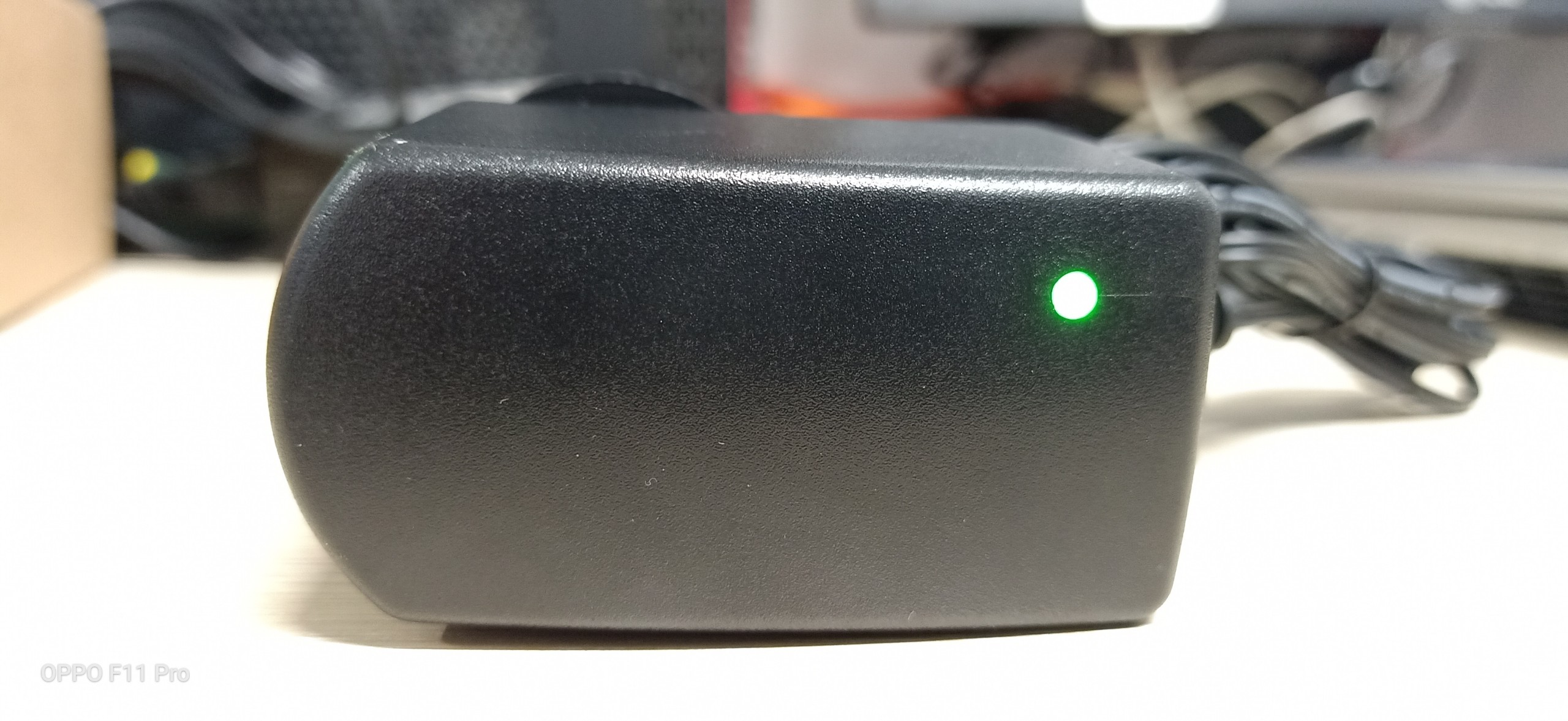 Nguồn Adapter 12V-1.5A Moso loại tốt có đèn led cảnh báo