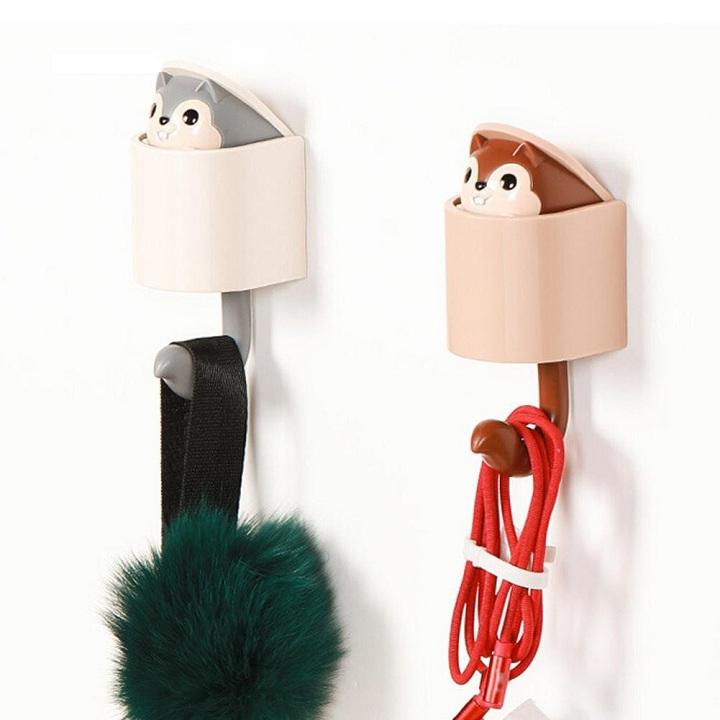 Móc treo đồ, móc treo chìa khóa sáng tạo hình con sóc siêu đáng yêu