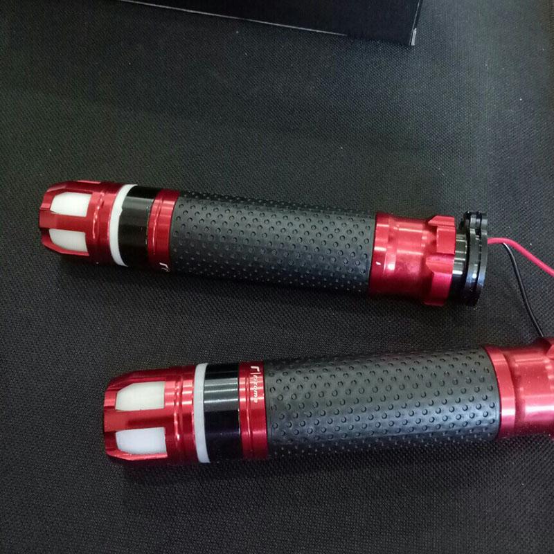 Đôi tay nắm có đèn LED - Bao tay xe máy - Gù LED xoay gắn cho các dòng xe máy- B71