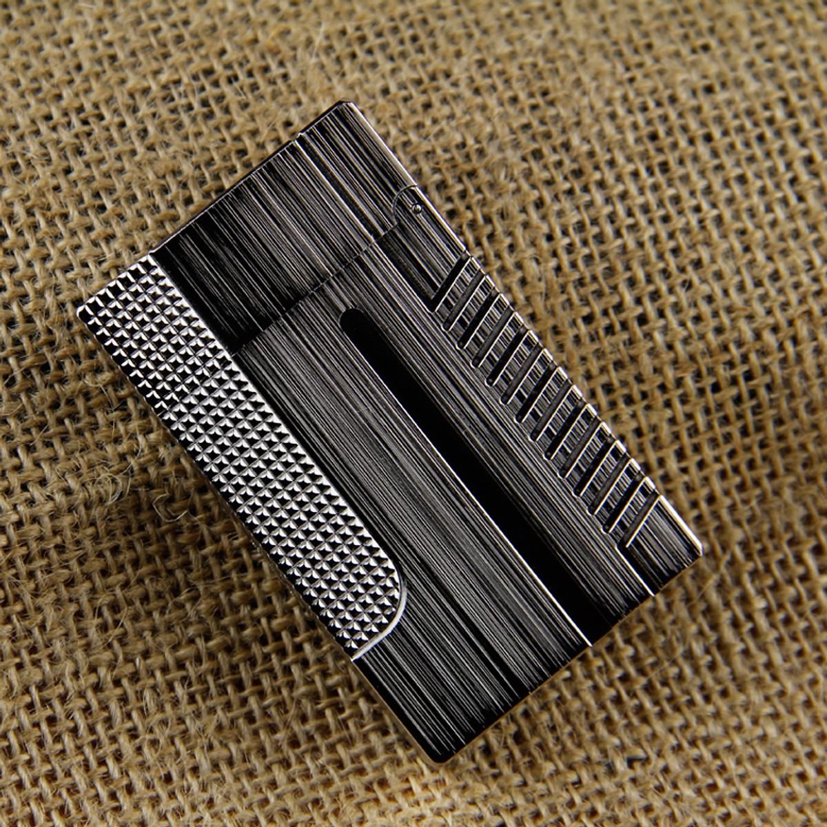 Combo Hộp Quẹt Bật Lửa Gas Đá DP-007 Xước Khắc Họa Tiết Cao Cấp + Tặng Tai Nghe Bluetooth BT01 Kiểu Dáng Thể Thao