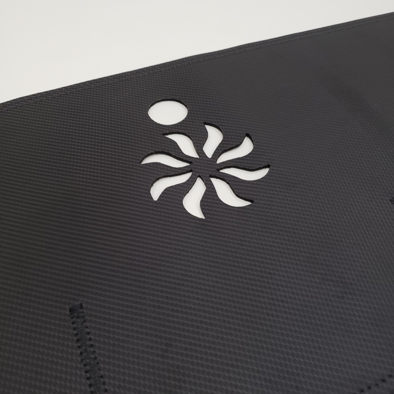 Thảm da Taplo vân carbon Cao cấp dành cho xe Toyota Camry 2012-2018