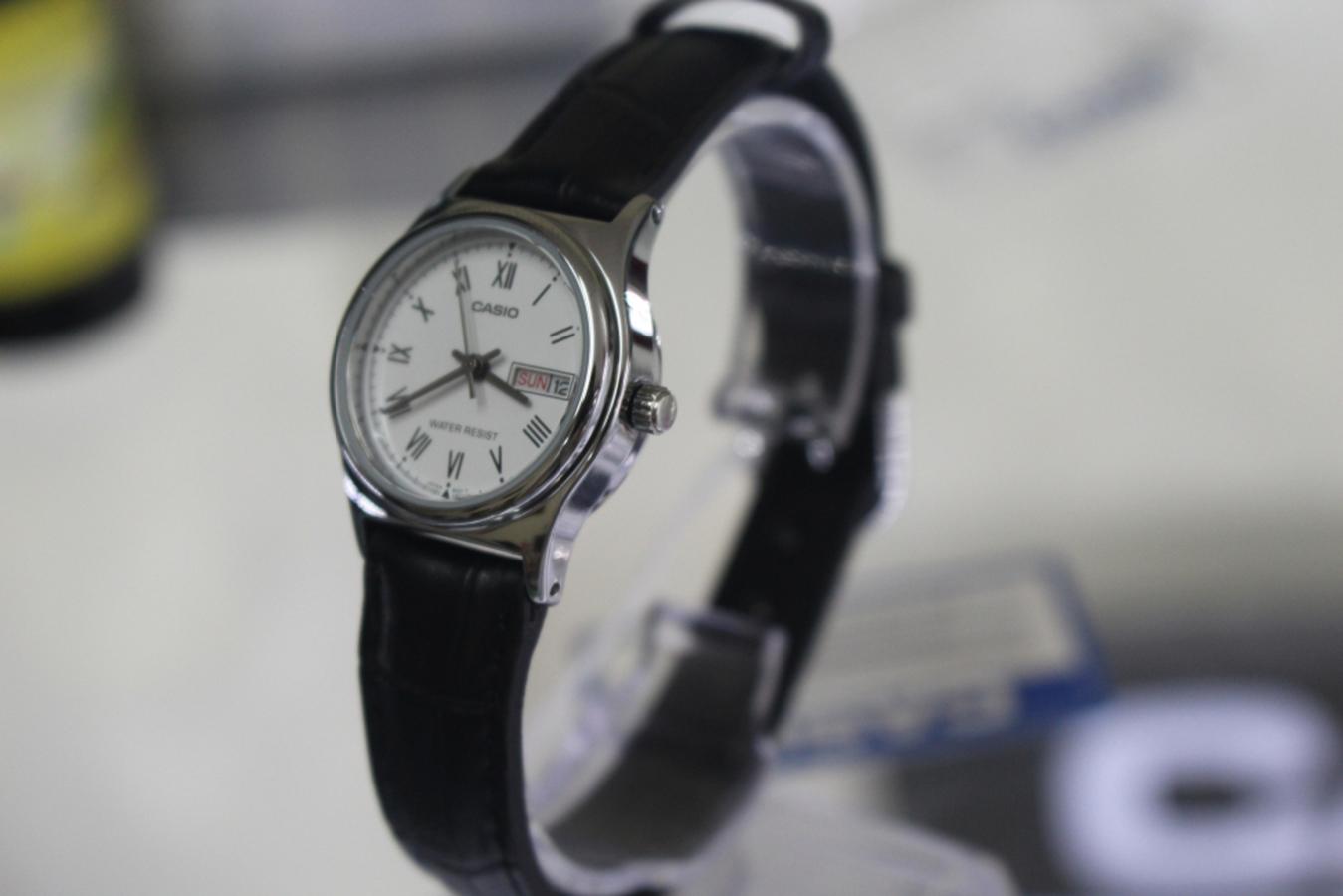 Đồng hồ nữ dây da Casio LTP-V006L-7BUDF