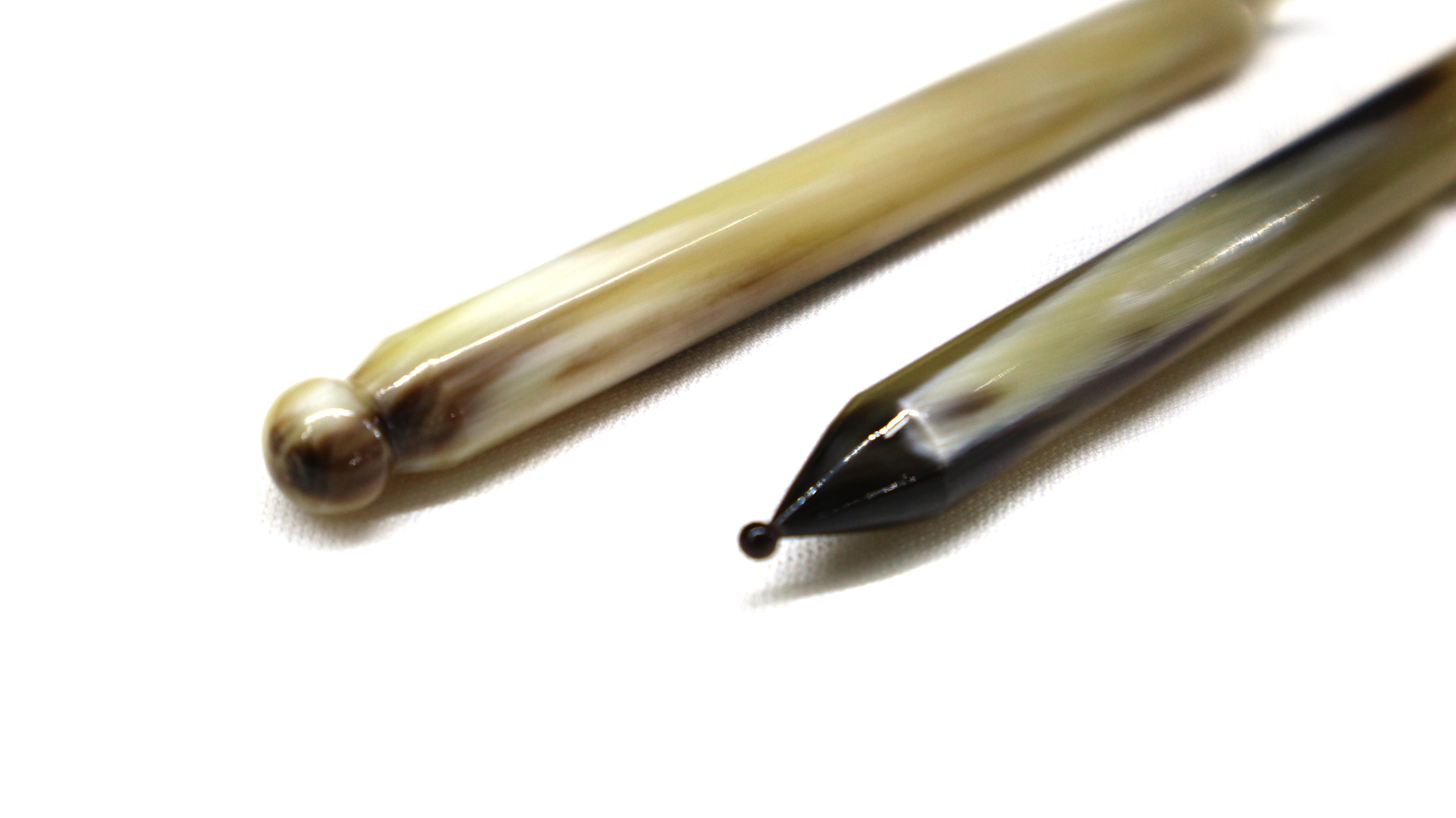 Dụng Cụ Bấm Huyệt - Bút Ấn Huyệt Sừng Tự Nhiên
